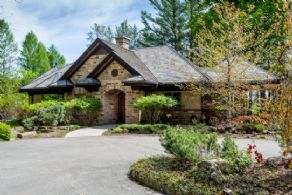 Main Residence - Country homes for sale and luxury real estate including horse farms and property in the Caledon and King City areas near Toronto