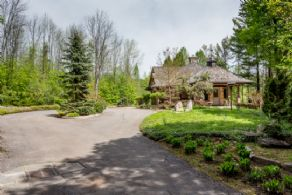 Approach to Main Residence - Country homes for sale and luxury real estate including horse farms and property in the Caledon and King City areas near Toronto