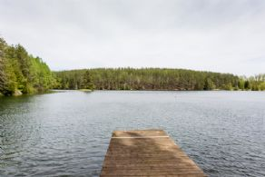 Lake and Island - Country homes for sale and luxury real estate including horse farms and property in the Caledon and King City areas near Toronto