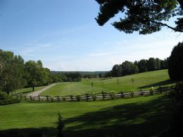 Approach to Brooks Farm - Country homes for sale and luxury real estate including horse farms and property in the Caledon and King City areas near Toronto