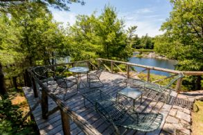Hideaway Deck - Country homes for sale and luxury real estate including horse farms and property in the Caledon and King City areas near Toronto