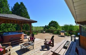 Patio - Country homes for sale and luxury real estate including horse farms and property in the Caledon and King City areas near Toronto