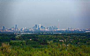 CN Tower - Country homes for sale and luxury real estate including horse farms and property in the Caledon and King City areas near Toronto