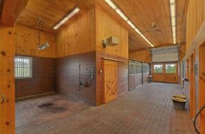 Isolation/Breeding Barn - Country homes for sale and luxury real estate including horse farms and property in the Caledon and King City areas near Toronto