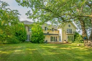 Charming Country Home - Country homes for sale and luxury real estate including horse farms and property in the Caledon and King City areas near Toronto