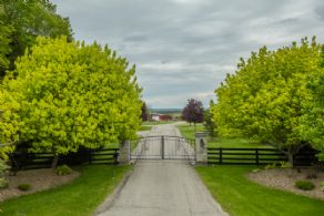 West Entrance - Country homes for sale and luxury real estate including horse farms and property in the Caledon and King City areas near Toronto