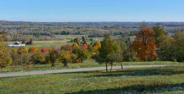 Area Views - Country homes for sale and luxury real estate including horse farms and property in the Caledon and King City areas near Toronto