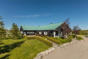 Entertainment Complex - Country homes for sale and luxury real estate including horse farms and property in the Caledon and King City areas near Toronto