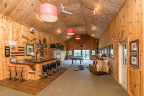 Viewing Lounge - Country homes for sale and luxury real estate including horse farms and property in the Caledon and King City areas near Toronto