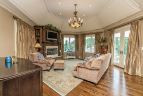 Master Sitting Room - Country homes for sale and luxury real estate including horse farms and property in the Caledon and King City areas near Toronto