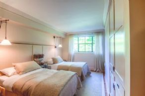 Guest Room - Country homes for sale and luxury real estate including horse farms and property in the Caledon and King City areas near Toronto