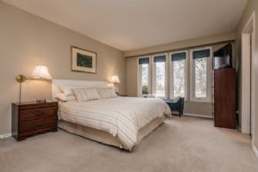 Master Bedroom with 4-piece En Suite - Country homes for sale and luxury real estate including horse farms and property in the Caledon and King City areas near Toronto