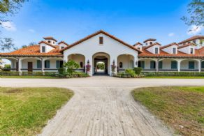 La Victoria, Wellington's Finest, Florida, U.S.A. - Country homes for sale and luxury real estate including horse farms and property in the Caledon and King City areas near Toronto