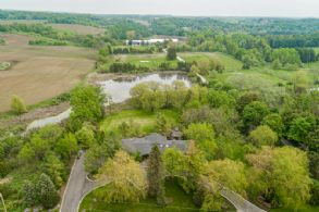 Bungalow, 8th Concession, King, Ontario - Country homes for sale and luxury real estate including horse farms and property in the Caledon and King City areas near Toronto