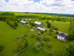 2nd Home with horse, cattle barns & indoor arena - Country homes for sale and luxury real estate including horse farms and property in the Caledon and King City areas near Toronto