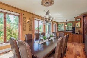 Dining Room alongside kitchen - Country homes for sale and luxury real estate including horse farms and property in the Caledon and King City areas near Toronto