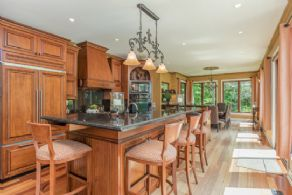 Kitchen and Dining Room - Country homes for sale and luxury real estate including horse farms and property in the Caledon and King City areas near Toronto