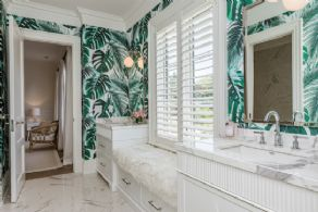 Semi En Suite Bathrom - Country homes for sale and luxury real estate including horse farms and property in the Caledon and King City areas near Toronto