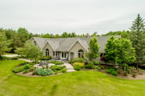 Facade - Country homes for sale and luxury real estate including horse farms and property in the Caledon and King City areas near Toronto