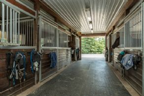 Aisle - Country homes for sale and luxury real estate including horse farms and property in the Caledon and King City areas near Toronto
