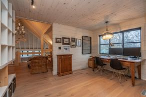 Spectacular Post and Beam on Lake Simcoe, Innisfil, Ontario - Country homes for sale and luxury real estate including horse farms and property in the Caledon and King City areas near Toronto