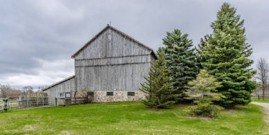 Classic Bank Barn - Country homes for sale and luxury real estate including horse farms and property in the Caledon and King City areas near Toronto