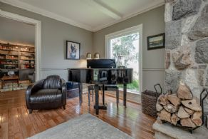 2 Bungalows, King, King, Ontario - Country homes for sale and luxury real estate including horse farms and property in the Caledon and King City areas near Toronto