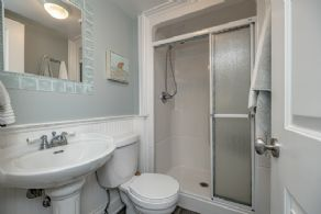2nd house bathroom - Country homes for sale and luxury real estate including horse farms and property in the Caledon and King City areas near Toronto