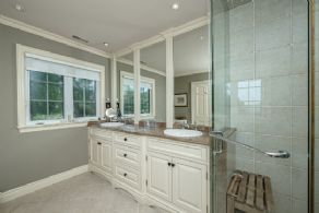 Renovated master bathroom - Country homes for sale and luxury real estate including horse farms and property in the Caledon and King City areas near Toronto