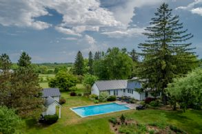 Pool courtyard - Country homes for sale and luxury real estate including horse farms and property in the Caledon and King City areas near Toronto