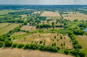 Richmond Hill Estate, Richmond Hill, Ontario - Country homes for sale and luxury real estate including horse farms and property in the Caledon and King City areas near Toronto