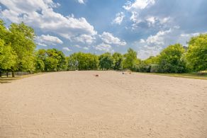 Outdoor riding ring - Country homes for sale and luxury real estate including horse farms and property in the Caledon and King City areas near Toronto
