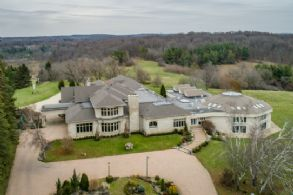 Country King Estate, 50 Acres, Ontario - Country homes for sale and luxury real estate including horse farms and property in the Caledon and King City areas near Toronto